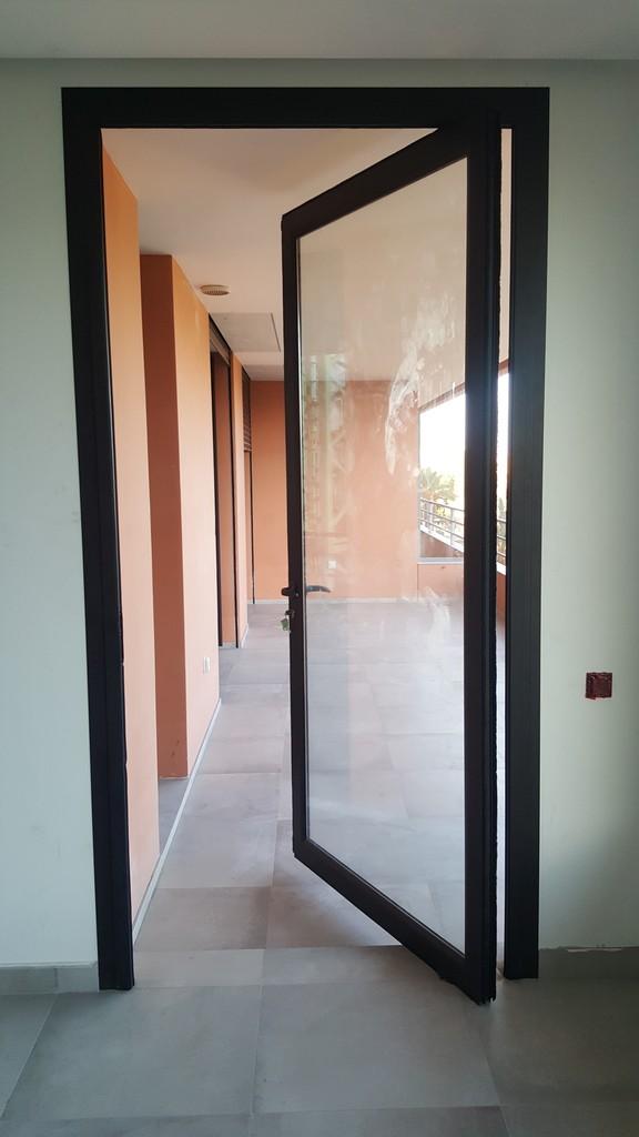 fenetres et portes fenetres concept et realisation aluminium. Black Bedroom Furniture Sets. Home Design Ideas