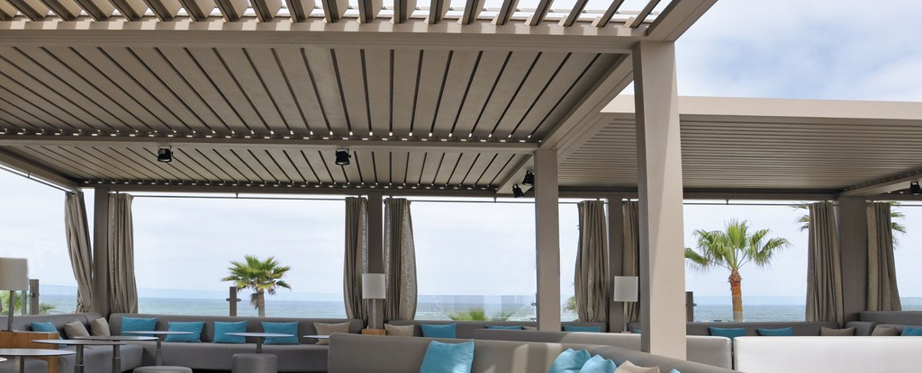 pergola veranda verriere concept et realisation aluminium. Black Bedroom Furniture Sets. Home Design Ideas