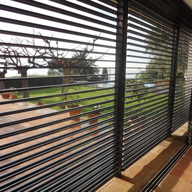brise soleil persienne concept et realisation aluminium. Black Bedroom Furniture Sets. Home Design Ideas